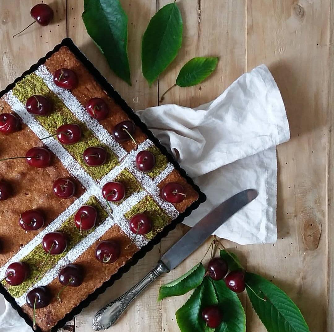 Torta di pistacchi e ciliegie ed un desiderio impossibile.